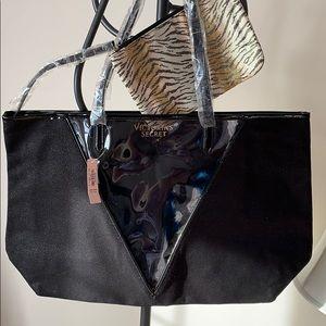 🆕Victoria's Secret Tote w animal Print makeup bag